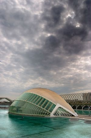 City of Arts and Sciences, we can see the L�Hemisf�ric.