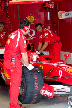 michael schumacher: JEREZ DE LA FRONTERA, SPAIN - OCT 11: Michael Schumacher of Scuderia Ferrari F1 waiting on pits on training session on October 11, 2006 in Jerez de la Frontera , Spain