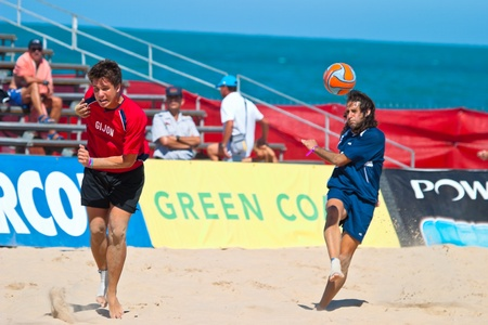 CADIZ, SPAIN -  JUL 30:  Unknown players of the team of Cadiz and Gijon playing the Spanish Championship of Beach Soccer on Jul 30, 2005 on the beach of La Victoria in Cadiz, Spain