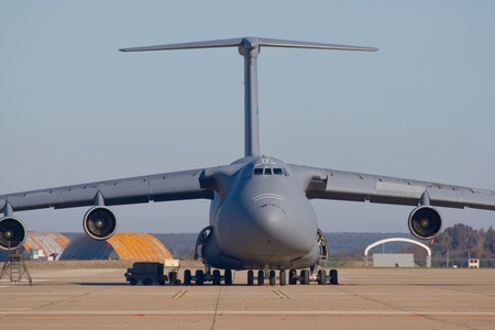 risking: Military plane of transportation of materials and people