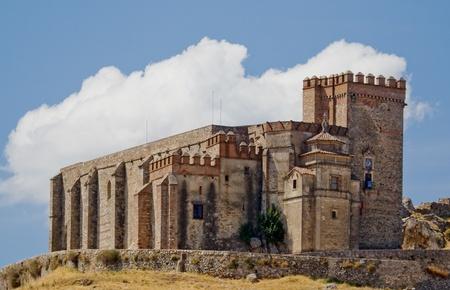 epoch: Castello di epoca medievale che sollevano Aracena Editoriali