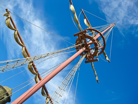 Mainmast of a Spanish galleon, with his scales and sails Stock Photo - 11214790
