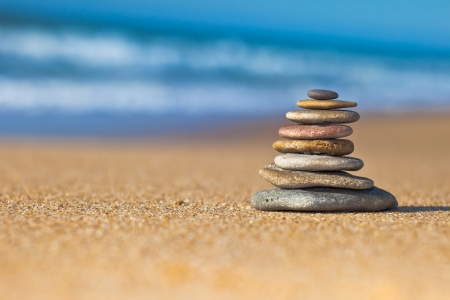Zen Stones on the beach Banque d'images