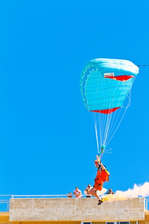 CADIZ, SPAIN-SEP 11: Parachutist Rex  Pemberton taking part in  the 4th airshow of Cadiz on Sep 11, 2011, in Cadiz, Spain Stock Photo - 12143378