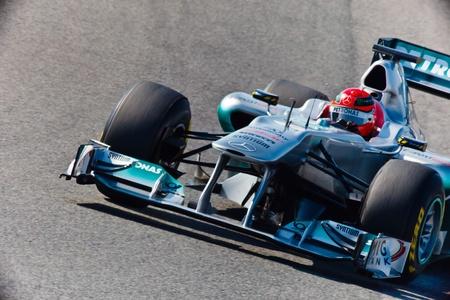 michele: JEREZ DE LA FRONTERA, SPAGNA - 11 febbraio: Michael Schumacher su Mercedes gare di F1 sulla sessione di formazione 11 febbraio 2011, a Jerez de la Frontera, Spagna