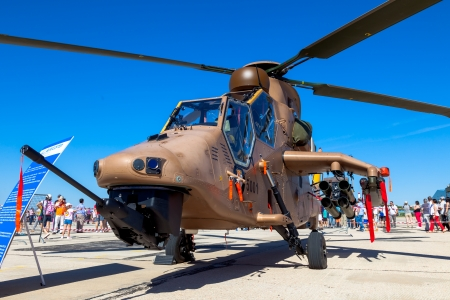 tigre: ALBACETE, SPAIN-JUN 23:  Helicopter Eurocopter EC665 Tiger taking part in a static exhibition on the open day of the airbase of Los Llanos on Jun 23, 2013, in Albacete, Spain