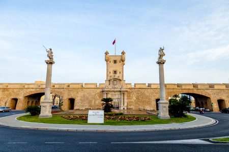 Outer walls that separate the old quarter and the modern zone of the city of Cadiz, Spain Stock Photo