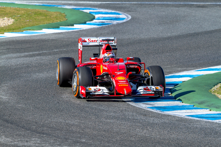 2015 年 2 月 4 日、スペインのヘレス ・ デ ・ ラ ・ フロンテーラでのトレーニング セッションにスクーデリア ・ フェラーリの F1 レースのヘレス ・