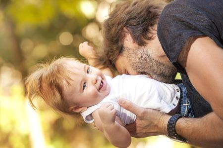 poquito: Bebé sol fother Foto de archivo