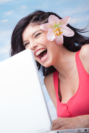 Laughing Girl Laptop Lilium Banco de Imagens