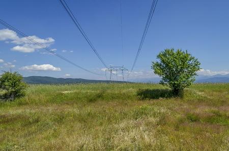 energia electrica: L�nea de transmisi�n de energ�a el�ctrica, Plana de monta�a, Bulgaria