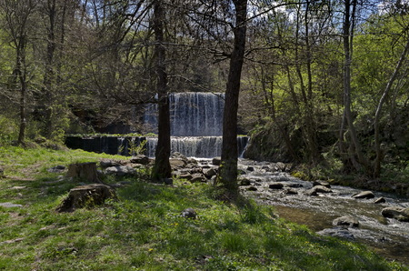 General view of Part at waterfall cascade of river Bistritsa between village  Bistritsa and village Pancharevo, place for tourism and travel in Vitosha mountain,  Bulgaria Stockfoto