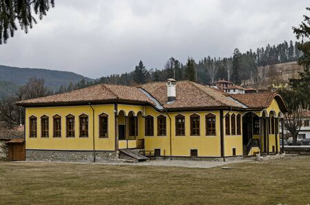 Ancient  school  building in small mountain town Koprivshtitsa, Bulgaria, Europe Imagens