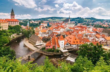 중세 도시의 성 및 Vltava 강, 체코, 유럽 Cesky 로프의보기