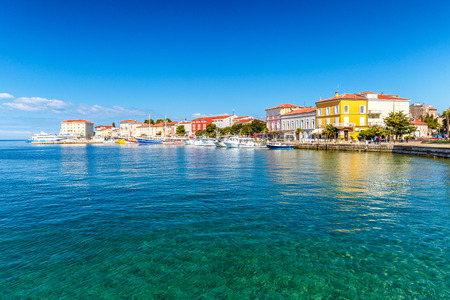 Porec 마을과 크로아티아, 유럽 아드리아 해에 항구.