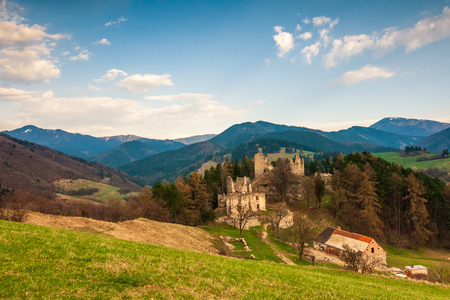 Landscape around ruins of Sklabina castle, Slovakia, Europe. Imagens