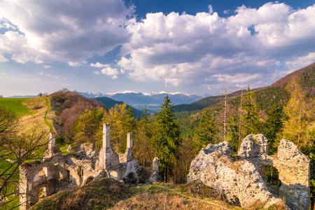 Landscape around ruins of Sklabina castle, Slovakia, Europe. Standard-Bild