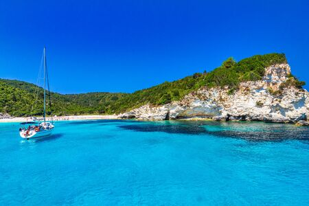 Turquoise coast of Antipaxos island near Corfu with Voutoumi beach, Greece, Europe. Stockfoto