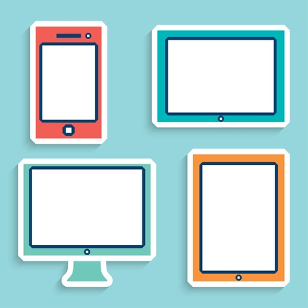 digitized: dispositivos electr�nicos con pantallas blancas en blanco en color. smartphone, tablet, monitor de la computadora.