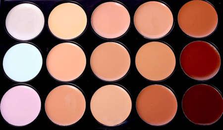 concealer: make-up, correttore tono campione crema