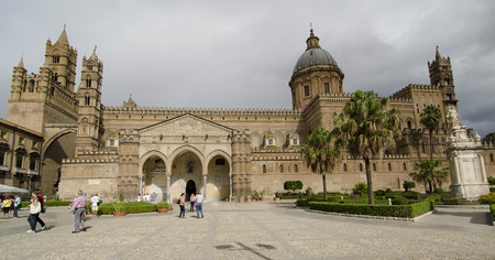palermo   italy: PALERMO, ITALY - OCTOBER 2, 2012: Crowds of tourists visit main cathedral, on October 2, 2012 in Palermo, Italy Editorial