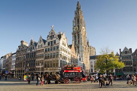 antwerp: ANTWERP, BELGIUM - OCTOBER 26: The Grote Markt, square with the historic carriage on October 26, 2013 in  in Antwerp, Belgium. Editorial