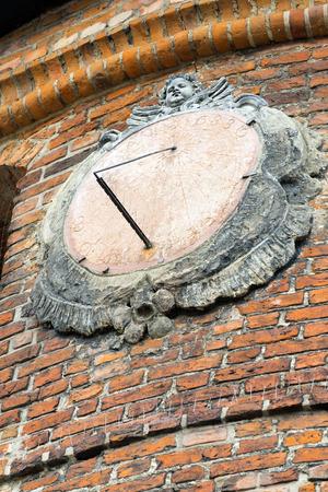 reloj de sol: Reloj de sol en Gdansk, Polonia.