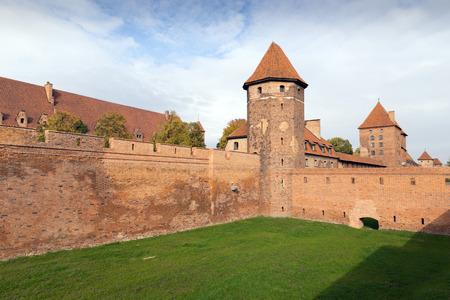 teutonic: Il Castello di Malbork - Campidoglio dell'Ordine Teutonico di crociati, Polonia