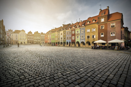 rowhouses: POZNAN, POLAND - OCTOBER 24, 2014: Picturesque rowhouses on the Old Market Square in Poznan, Poland Editorial