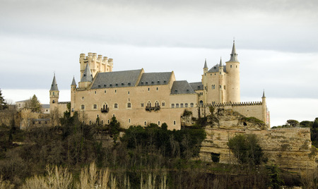 relates: This Alcazar, a castle-palace, lies in the walled city of Segovia in the province of Segovia in Spain. Its one of the most famous castles in Spain due to the fact that a lot of Spanish kings resided here and because of its beautiful exterior.