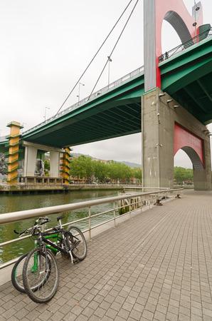 salve: Princes of Spain Bridge, better known as La Salve bridge, is a bridge over the estuary of Bilbao, Vizcaya, Euskadi, Spain. Is the gateway to the city of Bilbao, next to the Guggenheim Museum.