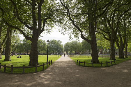 picknic: Queen Square Park at Bristol, UK