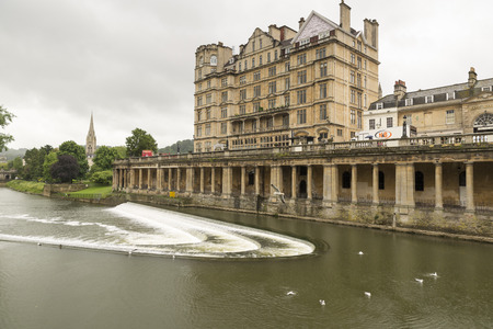 county somerset: A view of the river Avon, Bath showing a hotel