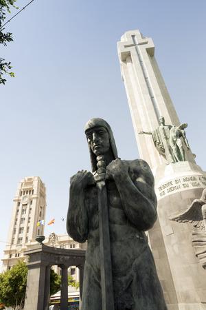santa cruz de tenerife: Cruz en homenaje a los Caídos (Cross in tribute to the Fallen), Plaza de Espana, Santa Cruz de Tenerife, Tenerife, Canary Islands, Spain