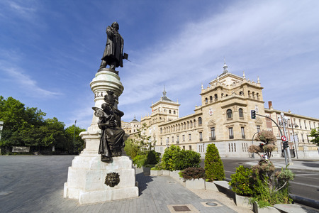 cavalry: Writer Jose Zorrilla statue opposite the building of the Academy of Cavalry, Valladolid, Spain