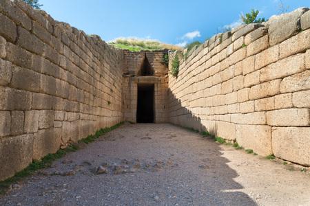 treasury: entrance to the Treasury of Atreus, Mycenae, Greece