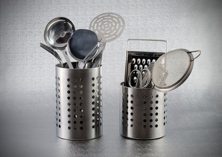 utensilios de cocina: utensilios de cocina de acero inoxidable Foto de archivo