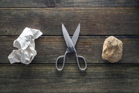 tijeras: Piedra, Papel, Tijeras es una forma popular para tomar una decisión.