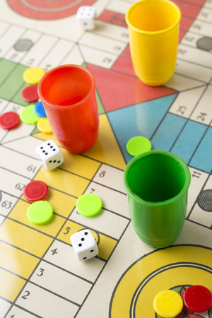 ludo: Dice, tabs and Parcheesi board game