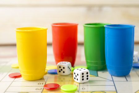 tabs: Dice, tabs and Parcheesi board game