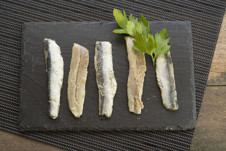 perejil: anchoas; perejil; aceite de oliva