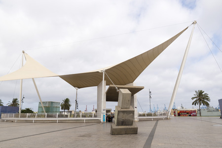 las palmas: LAS PALMAS DE GRAN CANARIA, SPAIN - AUGUST 1, 2016: Santa Catalina bus interchange  in Las Palmas, Spain. This is one of the main communications hub city Editorial