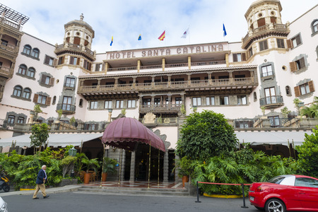 las palmas: LAS PALMAS, GRAN CANARIA, SPAIN - AUGUST 3, 2016: Hotel Santa Catalina was inaugurated in January 1890, it is the oldest of the city of Las Palmas and Canary hotel, Editorial