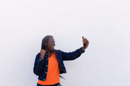 the Beautiful African American Takes a Selfie