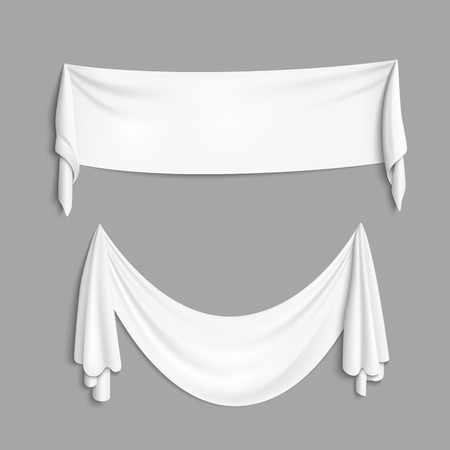 Realistas pancartas textiles blancos con pliegues. fondo