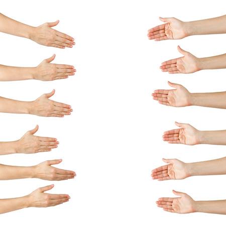 mãos: Vários fêmea handshake mãos oferta isolado no fundo branco, espaço da cópia, passe recorte. Retrato do close up das mãos mulher que agitam Imagens