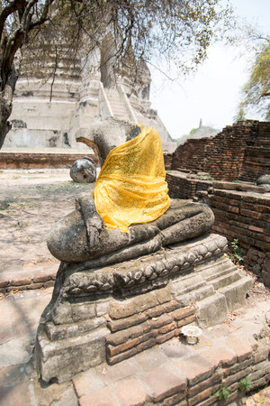 antiquated: ruins of Buddha statue