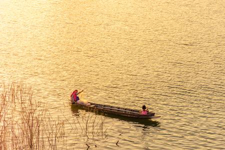 sangkhla buri: Folk fishermen are putting a net to catch fish, Sangkhla Buri, Kanchanaburi. Thailand.