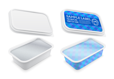 Vector il contenitore di plastica quadrato coperto con un foglio ed etichettato per il burro, il formaggio fuso o la diffusione della margarina. Modello isolato su sfondo bianco. Illustrazione del modello di imballaggio.