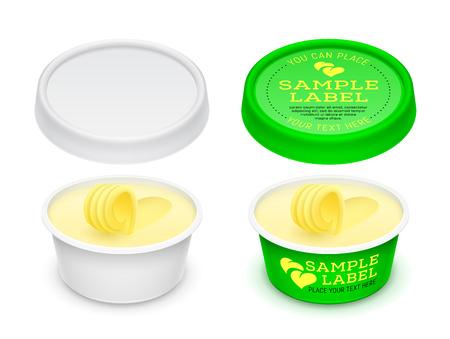 Contenitore rotondo aperto vuoto di plastica etichettato vettoriale con burro, formaggio fuso o margarina sparsi all'interno. Modello isolato su uno sfondo bianco. Illustrazione del modello di imballaggio.